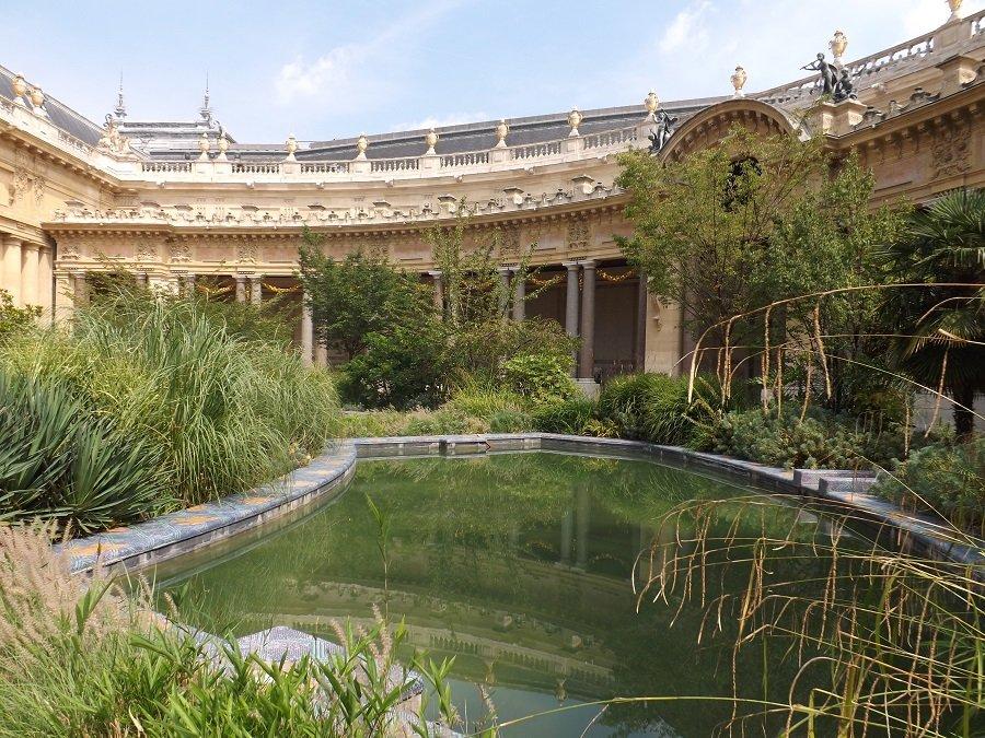 Voyageursaparistome8 ch teaux palais for Petit jardin interieur